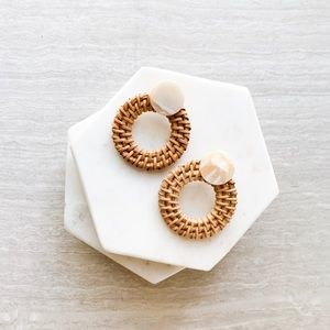 straw rattan circle earrings with marble stone